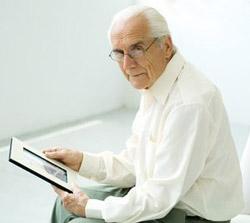Одиночество связано с худшим здоровьем в старости