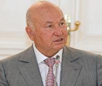 «Скорая помощь» должна прибывать на место за 3-4 минуты, считает Лужков