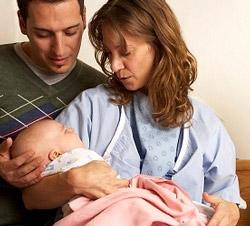 Женщина родила здорового ребенка, прибывая в коме