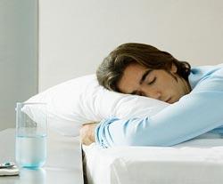 Вредно ли спать на животе?