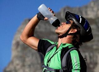 Неутешительная правда о спортивных напитках...