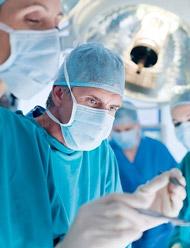 В Барселоне была проведена первая операция по полной трансплантации лица