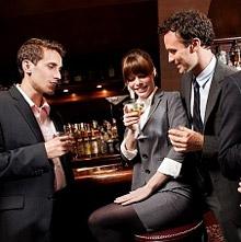 По мнению женщин, у мужчин получается больше веселиться