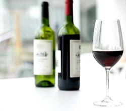 Половина бокала вина в день повышает продолжительность жизни на 5 лет
